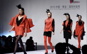 2013 Qingdao International Fashion Week Models Photo www.news.cn